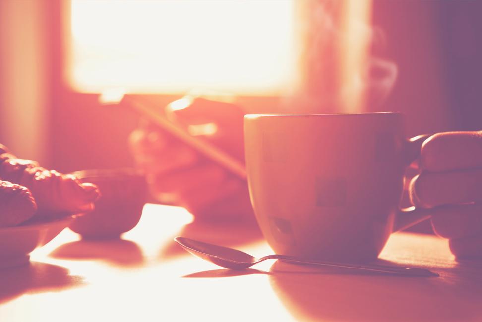 Foto de una taza humeante